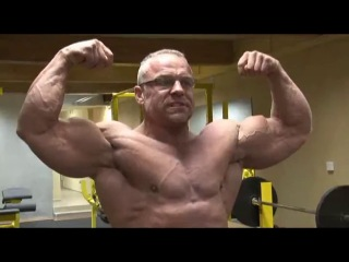 Czech muscle daddy