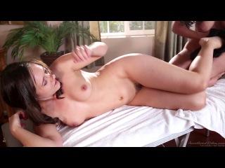 Liza Del Sierra and Sinn Sage (Lesbian Analingus)